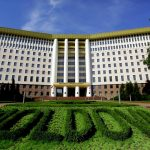 Согласно новому законопроекту  парламента, в Молдове, все дети до 18 лет будут получать ежемесячные пособия