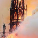 Пожар в Нотр-Дам де Пари нанес большие разрушения, но худшего удалось избежать