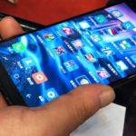 (FOTO)В КНДР представили смартфон, который могут приобреcти только граждане этой страны