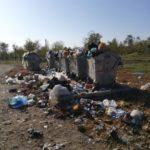 (FOTO) Фото дня: мусорные урны в Бессарабке переполнены даже в период проведения местных выборов