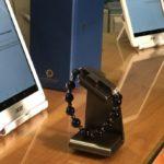 В Ватикане презентовали электронные четки. Четки активируются после того, как их владелец перекрестится