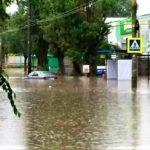 (VIDEO/FOTO) В городе Кишинёв после проливного дождя многие улицы были затоплены.