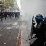 Во Франции задержали более 30 человек на первомайских демонстрациях