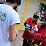 «ЖИВИ СЕЙЧАС!»: Волонтёры в Бессарабке провели информационную кампанию по профилактике коронавируса совместно с Красным крестом и районным Инспекторатом полициии, а также раздали защитные маски пожилым людям.